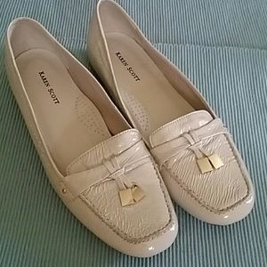 Ivory Wrinkle Patent Gold Tassel Loafers
